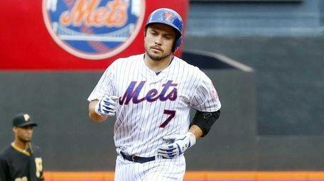 Travis d'Arnaud #7 of the New York Mets