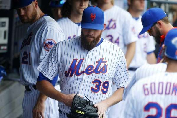 Bobby Parnell of the New York Mets walks