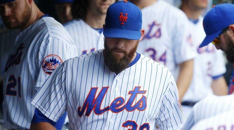 Bobby Parnell of the New York Mets walks