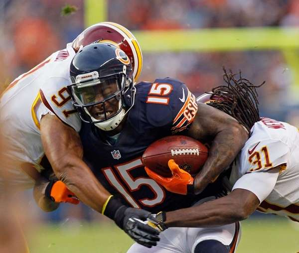 Chicago Bears wide receiver Brandon Marshall (15) is