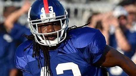 Brandon Meriweather takes part in his first Giants
