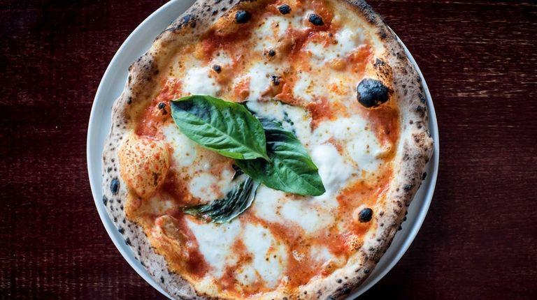 Margherita Napoletana pizza at La Pala in Glen
