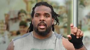 New York Jets guard Willie Colon speaks to