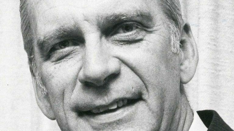 Robert T. Kreiling, who led Suffolk County Community