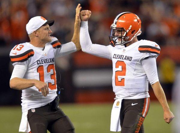 Cleveland Browns quarterback Josh McCown congratulates Johnny Manziel