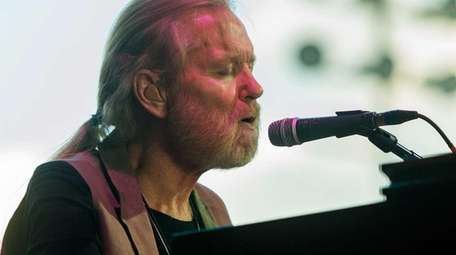 Gregg Allman performs during the 2015 Stagecoach Festival