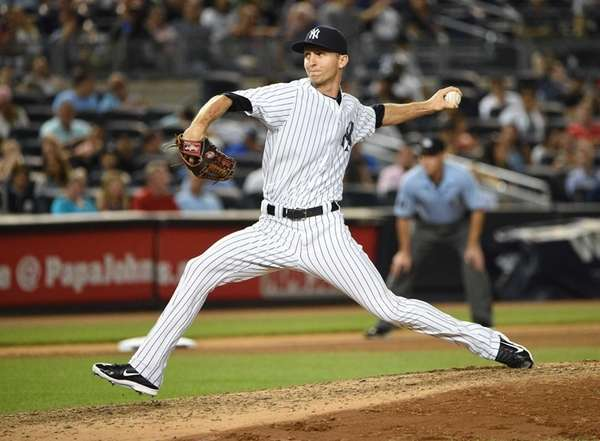 New York Yankees relief pitcher Chasen Shreve delivers