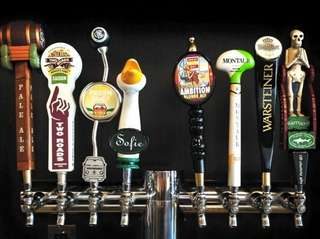 Schout Bay Tavern in Manhasset offers eight beers