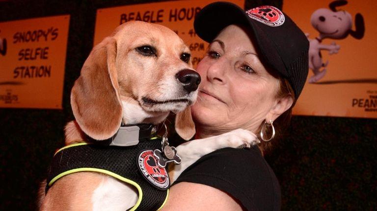 A beagle-rific hug at the