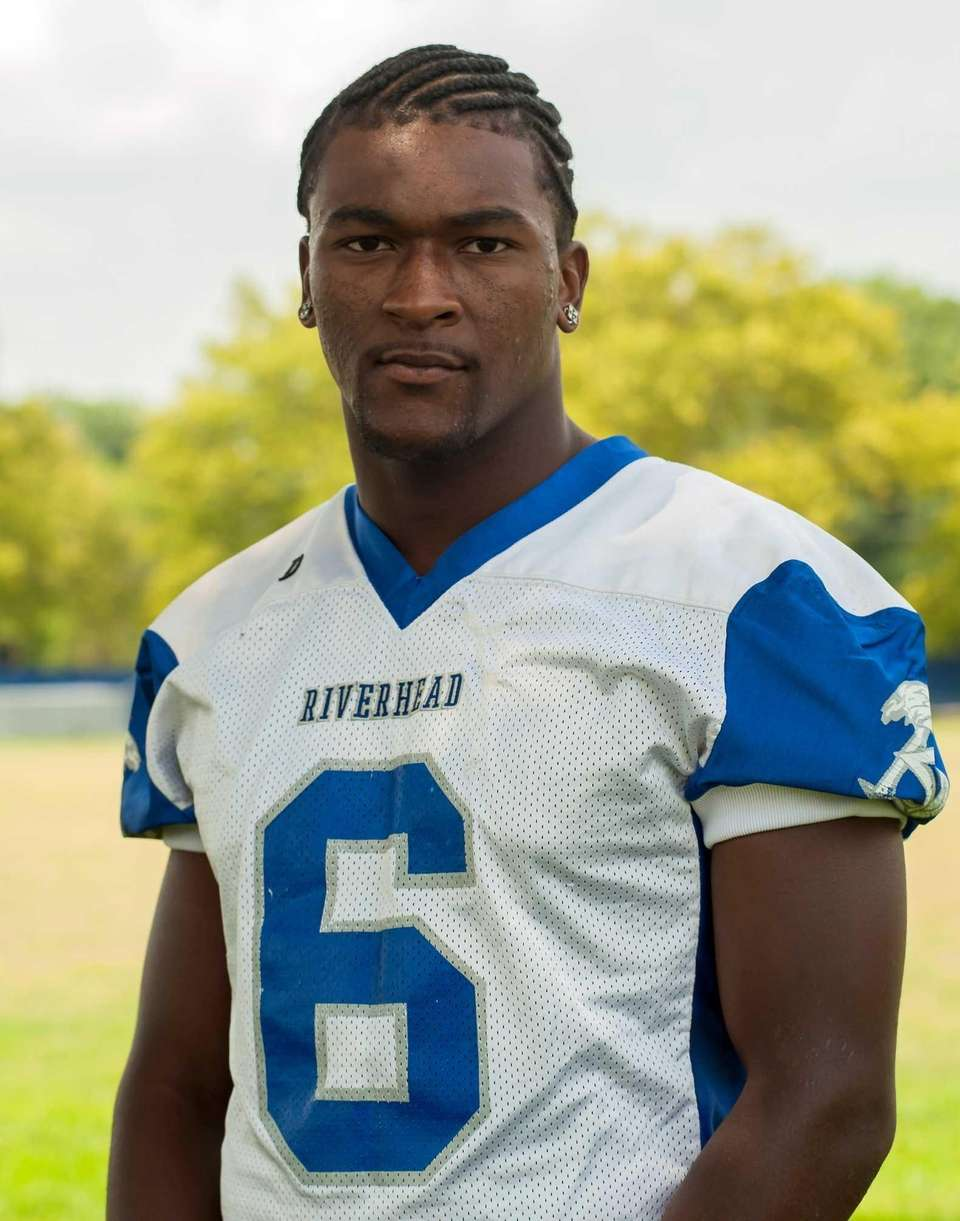 Riverhead, senior Tight end/defensive lineman Incredibly intelligent, Tyrese