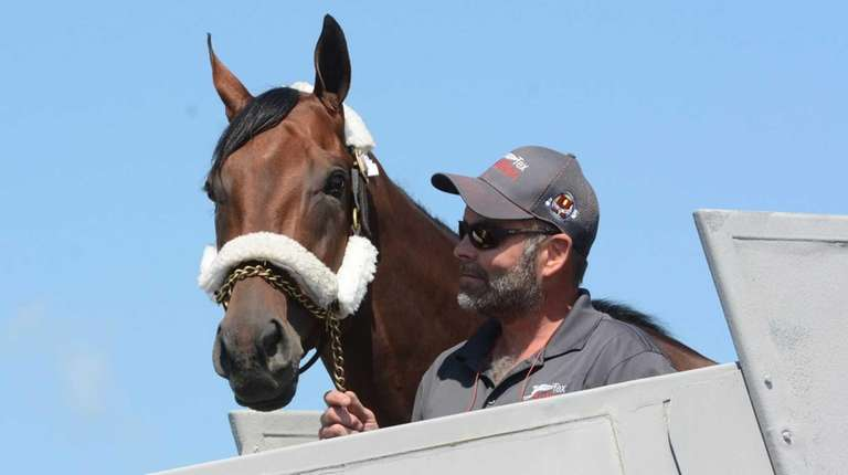 Triple Crown winner American Pharoah arrives at Albany