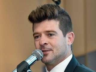 Robin Thicke performs, as part of the VH1