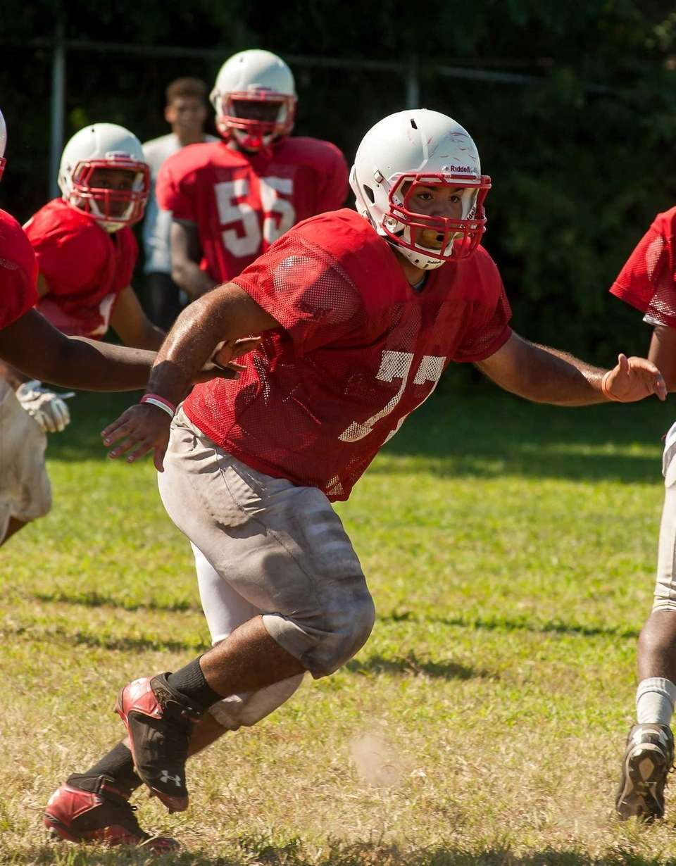 Freeport's Mike Garcia practices for the 2015 football
