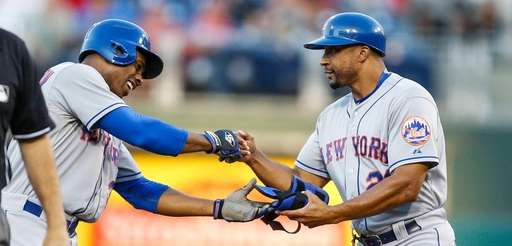 Curtis Granderson of the New York Mets fist