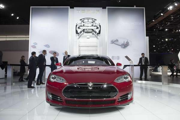 Tesla's new Model S P85D broke Consumer Reports