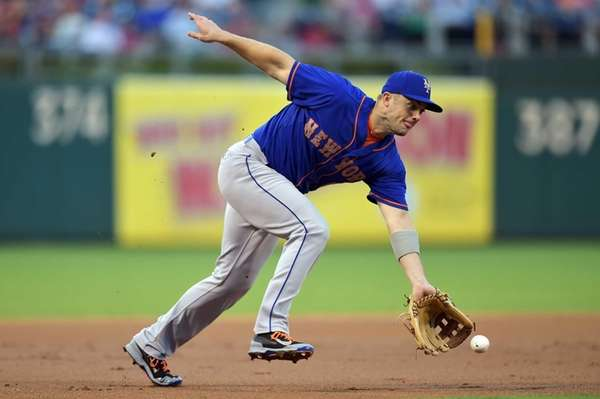 David Wright of the New York Mets charges