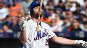New York Mets first baseman Daniel Murphy reacts
