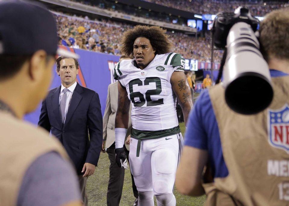 New York Jets defensive tackle Leonard Williams leaves