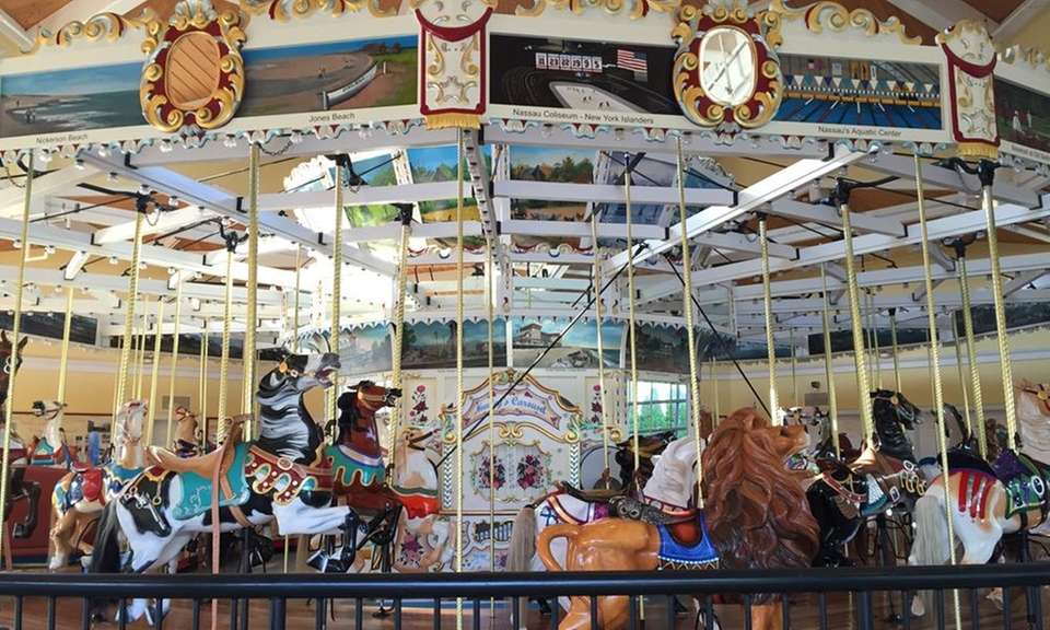 Nunley's Carousel opened in Garden City on Museum