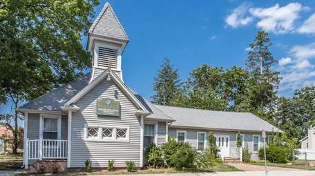 Christ Covenant Church in Copiague is on the