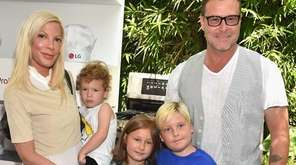 Tori Spelling, Dean McDermott and their children Finn,