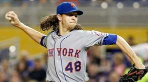 Jacob deGrom of the New York Mets throws
