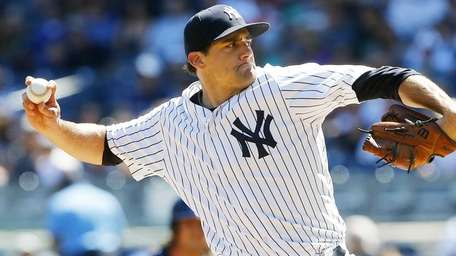 Nathan Eovaldi of the New York Yankees pitches