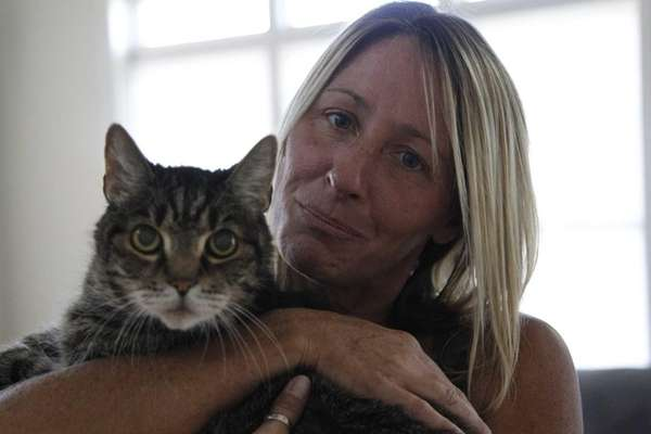 Cindy Kugler with her cat Joe on Aug.