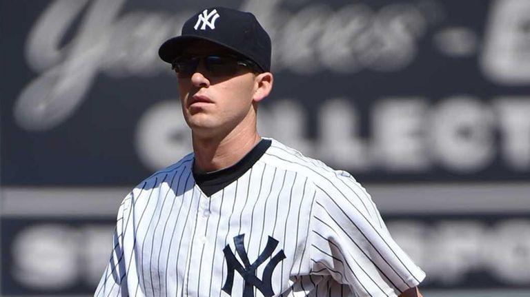 New York Yankees second baseman Stephen Drew looks