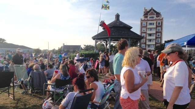 More than 100 people filled the Montauk Green