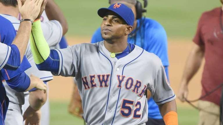 Yoenis Cespedes of the New York Mets celebrates