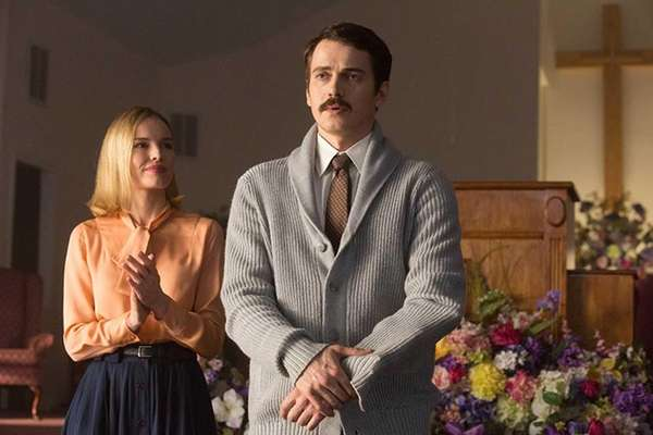 Eva (Kate Bosworth) and Don Piper (Hayden Christensen)