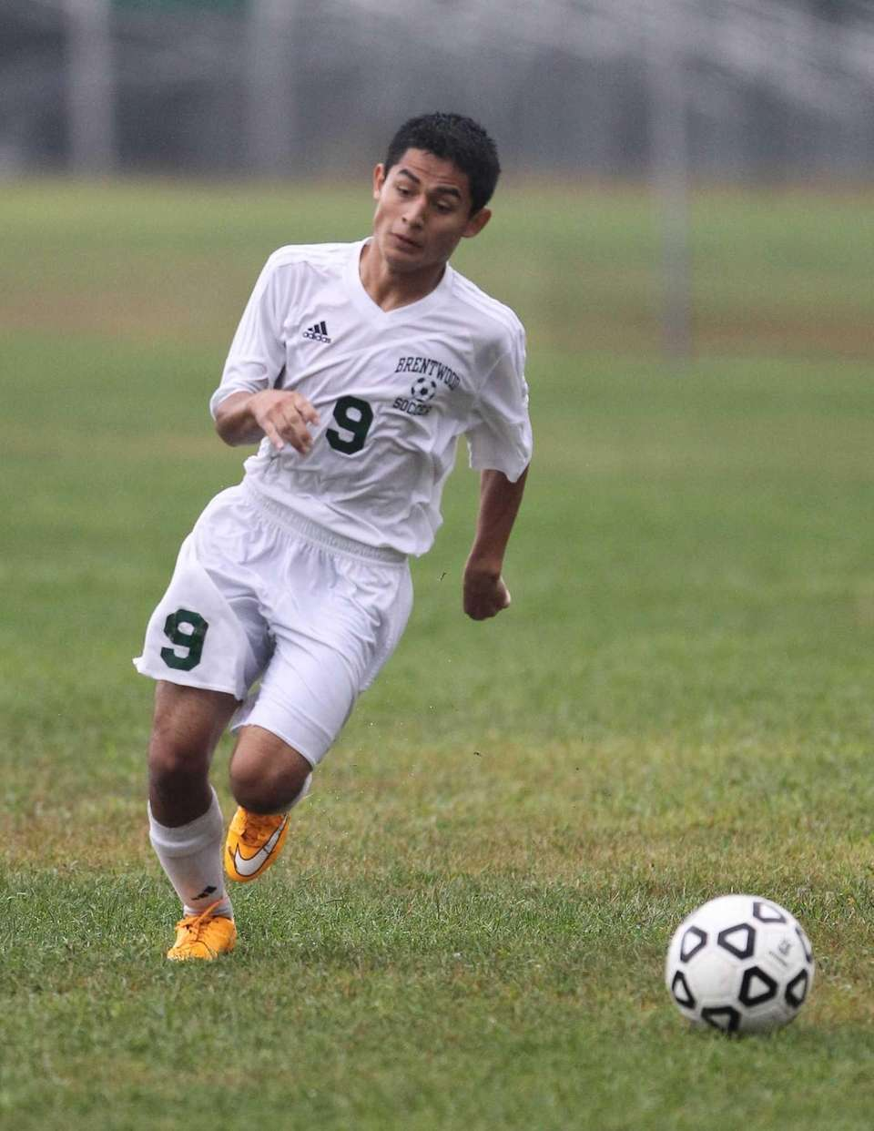 Brentwood's Kevin Trejo carries the ball in the