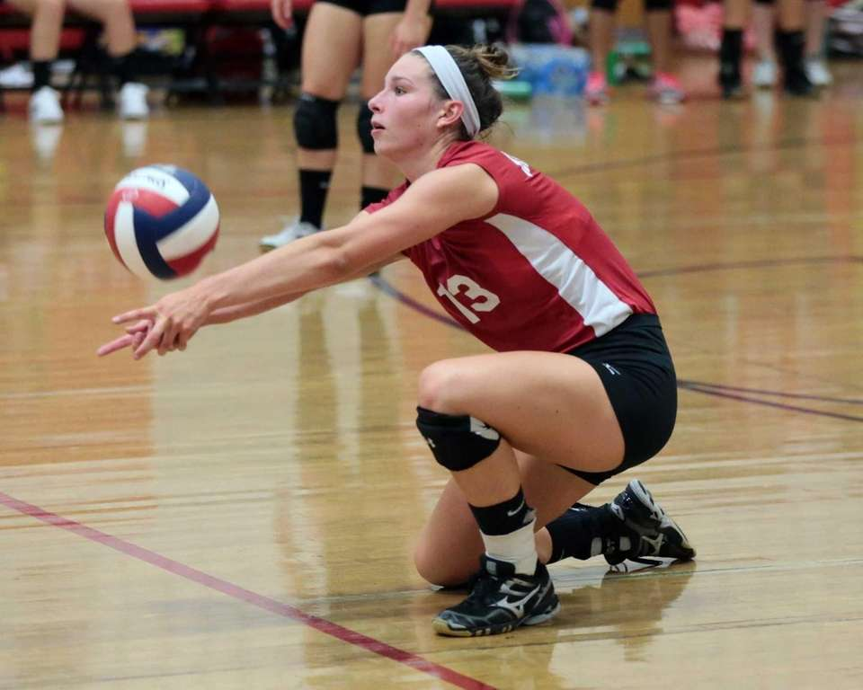 Half Hollow Hills East's Julia Stewart digs up
