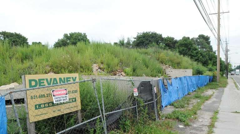 Site at Islip Avenue and Sage Street in