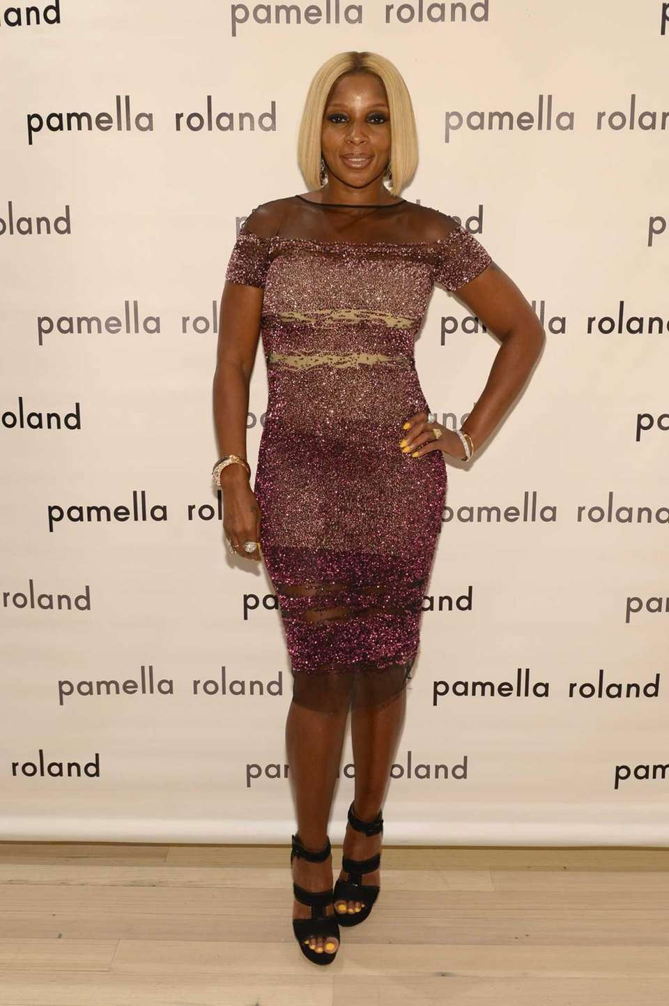 Mary J. Blige poses backstage at the Pamella