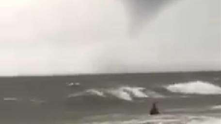 A thunderstorm just south of Long Beach, near