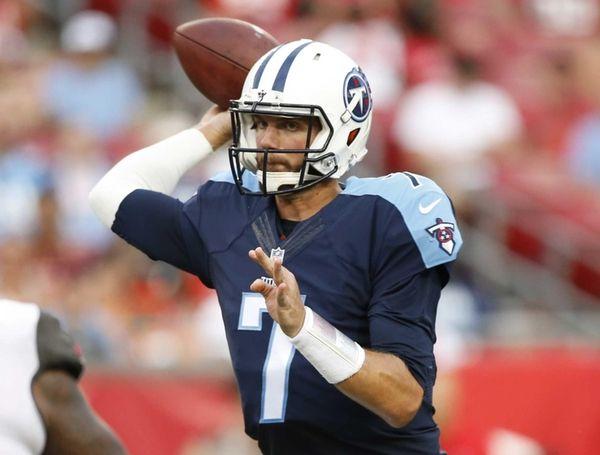 Tennessee Titans quarterback Marcus Mariota (8) looks to