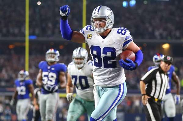 Jason Witten #82 of the Dallas Cowboys celebrates