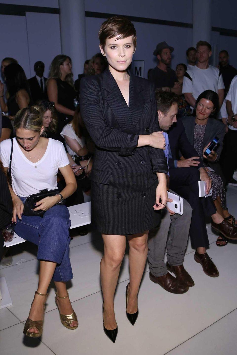 Actress Kate Mara attends DKNY Women's Spring 2016