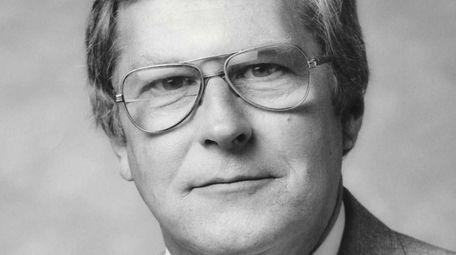 Donald Edgar, who rose from award-winning work on