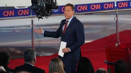 Moderator Jake Tapper during the early Republican presidential
