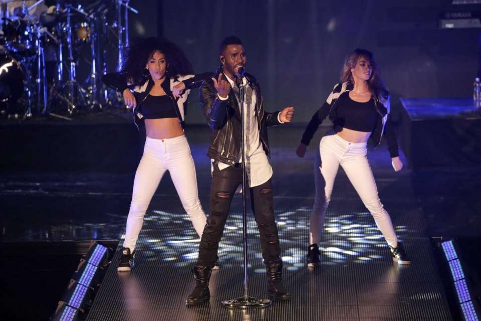 Jason Derulo performs at Macy's Presents Fashion's Front