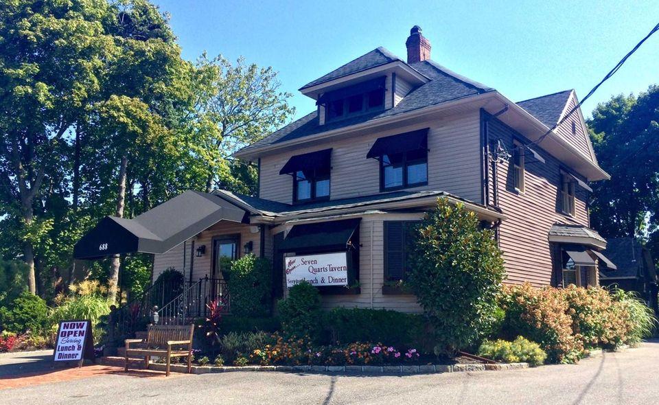 Seven Quarts Tavern, Northport: The new Seven Quarts