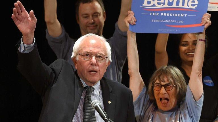 Democratic presidential hopeful Sen. Bernie Sanders (I-Vt.) holds