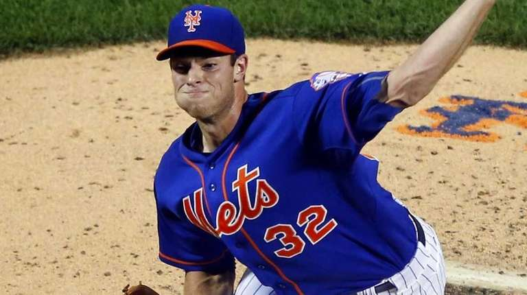 Steven Matz of the New York Mets pitches