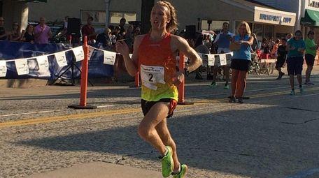 Parker Stinson, 23, of Eugene, Oregon, nears the