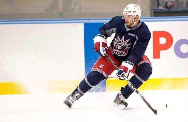 New York Rangers left wing Rick Nash skates