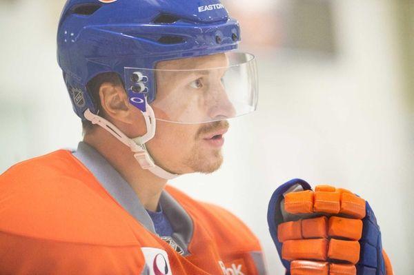 New York Islanders center Mikhail Grabovski (84) during