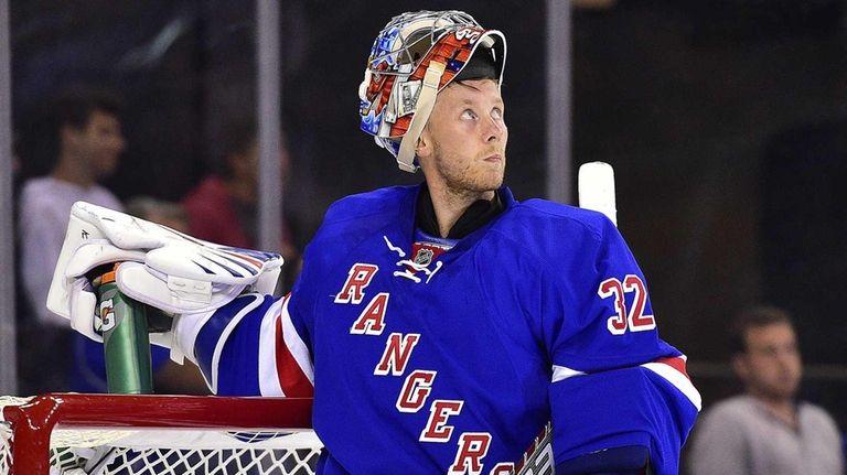 New York Rangers goalie Antti Raanta takes a